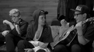 Video: Justin Bieber - Sorry (feat. Skrillex) (Acoustic)